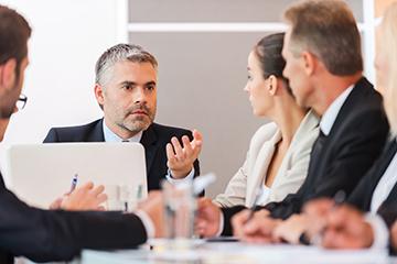 Esimies pattitilanteiden sovittelijana| Johtamistaidon opisto JTO