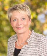 Hanna Pratsch kouluttaa työhyvinvointia Johtamistaidon opisto JTO:ssa
