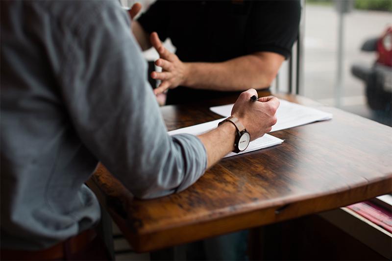 Työnohjaajan kanssa johtaja voi luottamuksellisesti selkeyttää johtamisen perustehtävää
