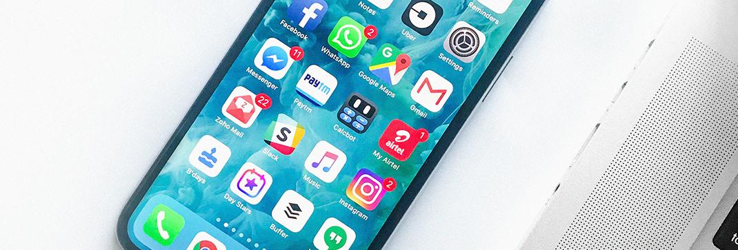 """Tänään maailmaa dominoivat suositut sosiaalisen median sivustot (koska siellä """"kaikki"""" ovat), viihde- ja hyötypalvelut sekä keskustelu- ja verkkouutispalvelut. Tervetuloa päivittämään digiviestinnän osaaminen ajantasalle!"""