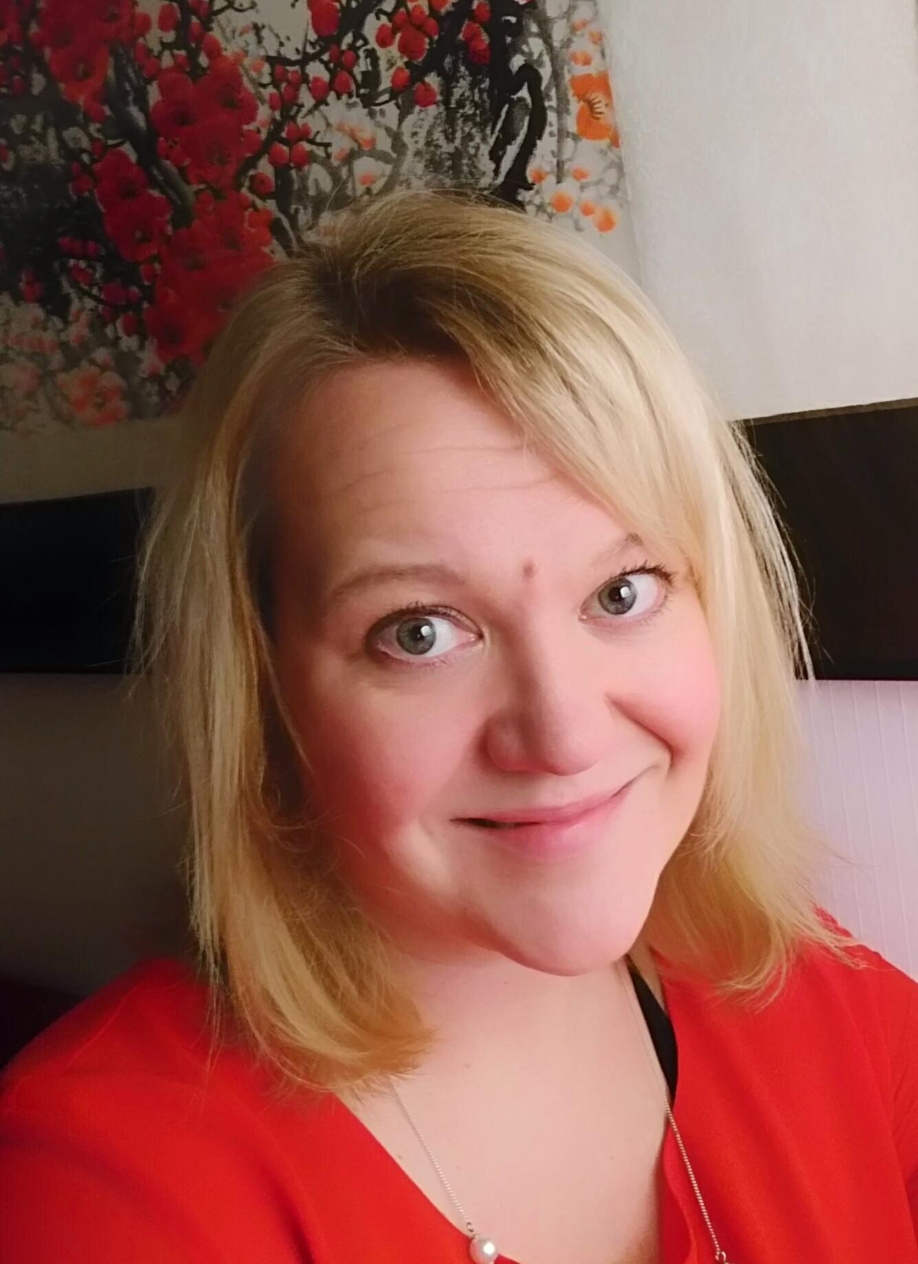 Johanna Heikkinen kouluttaa Fintran Kiina-hankintojen koulutuksessa Industrial Sourcing from China
